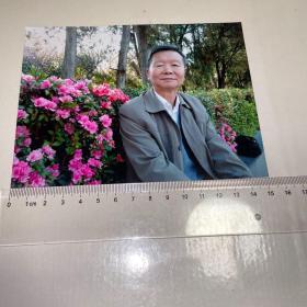 著名学者余嘉华先生照片