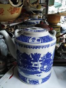 青花提梁大茶壶