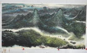 卞国强 尺寸 180/97 托片 1958年生于天津,祖籍江苏镇江。曾任部队美术干部、天津杨柳青画社书画编辑。现就职于中国美术家协会,中国美术家协会会员,国家二级美术师,毕业于中国画研究院研修班。