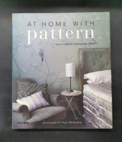 (进口英文原版)At Home With Pattern