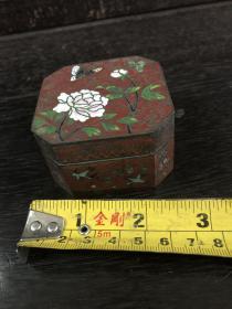 民国时期铜胎掐丝珐琅花鸟纹八角小盒