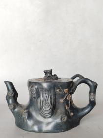 名家款,多孔梅花紫砂壶。o9