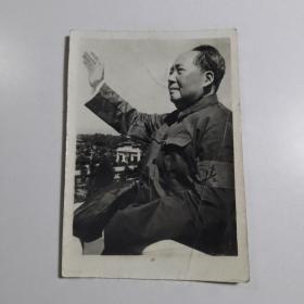 黑白老照片《毛主席 在天安门城楼接见红卫兵》【店编3】