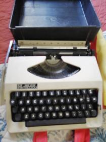 英雄牌打字机
