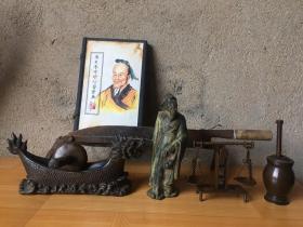 中医工具龙头药碾子、捣药缸、天平秤、药铡刀工具一套,药王李时珍铜像!品相如图! 重15斤