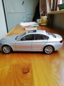汽车模型(比例1:18)