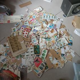 旧邮票一堆 具体多少个不清楚 ,0.52公斤