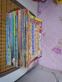 米老鼠 《2010年幽默版 9、10月下》《2011年特刊4、9、11+幽默版4、8、10、11月下+快乐版 2、6、9、11、12月上》《2012年特刊7-12月+笑园派 4、9、10月上+米饭团3、7、9、10、12月下》《2013年特刊1、4、7、10、12月+米饭团1、2、3、8、10月下+笑园派1、4、5、6、7、11月上》共44册 附送一张米老鼠20周年海报
