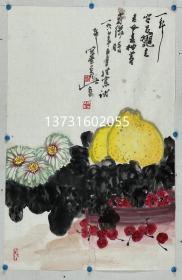 高冠华(1915~1999) 。江苏南通人。1940年毕业于国立艺术专科学校国画系并留校任教,同年于重庆举办第一次个人画展 。1949年后,中央美术学院国画系任教、曾为中央美院教授中国美术家协会会员,中国手指画研究会副会长,中国书画社副社长 。出版有《花鸟画技法》、《高冠华画集》 。   高冠华是潘天寿先生的入室弟子,高冠华擅长写意花鸟画,修养全面、诗书画兼长、风格独特、颇具创意的花鸟画大师。