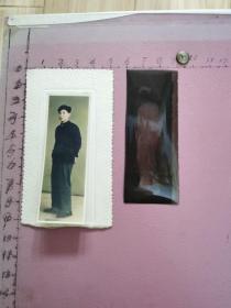 手工上色老照片:一位男青年留影(尺寸:3×8、含底片)