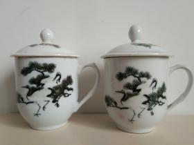 醴陵釉下彩手绘松鹤瓷茶杯一对