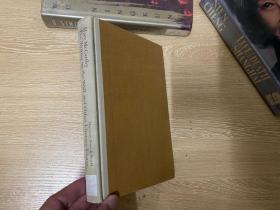 (初版)The Writing on the Wall and Other Literary Essays   玛丽·麦卡锡 随笔集,作者和阿伦特的通信和小说作品《群像》等都有中译版,埃德蒙·威尔逊的妻子,文笔好,精装