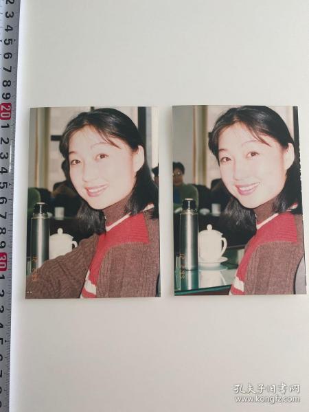 中国内地演员照片两张