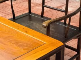 明式老榆木做工茶台六件套,     材质,榆木,尺寸,160*75*高75,櫈子尺寸高46,长45,宽35,全品,制式素简,线条流畅,保存完整,可置雅室,会所,茶室,书房陈设。