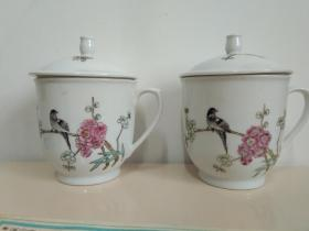 精美梅花瓷杯之二:景德镇手绘梅花瓷茶杯一对