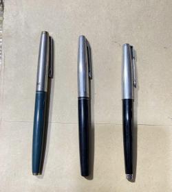 英雄钢笔324、616、新星72-1合售 自定七品,品相如图,不知道能否正常使用需购买后自测,不喜勿拍,售出不退