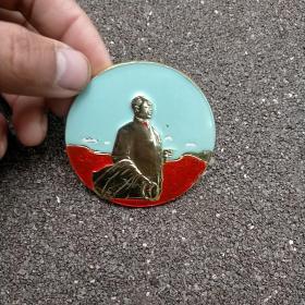 毛主席像章  圆形毛主席像章