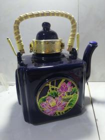 景德镇制青稞酒酒瓶茶壶