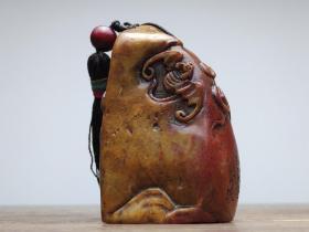 旧藏 老寿山石印章 藏品为藏家早期旧藏,刀工流畅,沁色自然,包浆醇厚。实物比照片漂亮,具有极高收藏价值,品相如图。