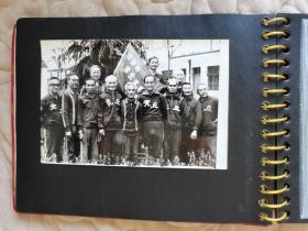 1980-1986江苏省苏州市老年体协虎丘老年长跑队 大幅资料照片29张一册 ,部分有文字