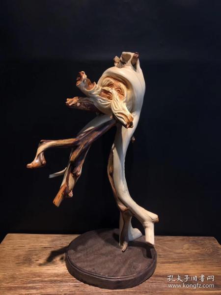 原生随形崖柏雕刻老寿星摆件,选料上乘,天然崖柏根精雕而成,纯手工雕刻,雕工精细!