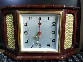 经典金鸡牌老钟表闹钟座钟木框表镶嵌的表龛