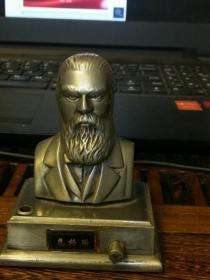 恩格斯坐像打火机纪念品收藏品年代厂址不详仅一件