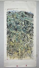 孙海青 尺寸 178/98 镜片 1956年12月出生于山西省太原市,祖籍山东肥城,现为中国美术家协会会员、中国壁画学会会员、山西省美术家协会副主席、山西省书法家协会理事、山西画院副院长、国家一级美术师。