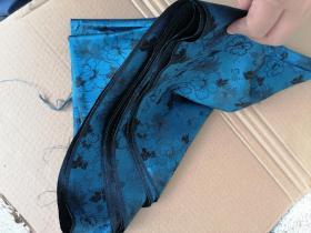 民国反里,丝绸织品,蓝花色绸缎一丈,338/72cm。可做衣物,古籍函套