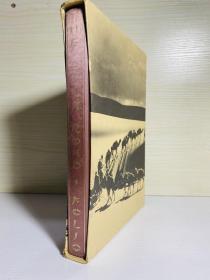 Silk Road  封面丝绸装订   Folio Society 出版,大开本,尺寸约为:19*26cm, 有书匣