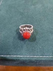 早期纯银戒指(19.8克)戒面珠子直径1.1厘米