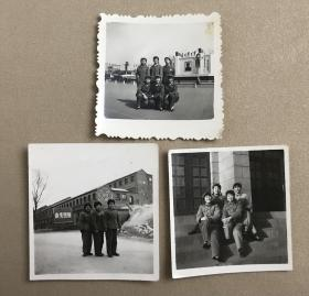 多位漂亮的女兵穿着军装、军鞋、布鞋合影留念老照片3枚