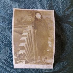 民国老照片 穿旗袍的女孩