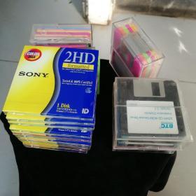 软盘65张合售( SONY 2HD 18张单独包装未开封+10张盒装未使用+其他品牌使用过,共65张合售)
