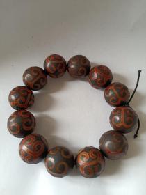 天珠手串一串,保存完好品相一流,值得佩戴收藏。