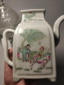 仿民国瓷,粉彩手绘人物酒壶一只