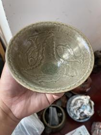 出土 龙泉绿釉小碗,品完好,手可盈握,曼妙小品。