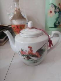 景德镇富贵茶壶