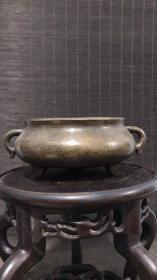 清代传世仿前朝崇祯乙亥云台主人制款蚰龙耳铜香炉,包浆熟美,内膛干净,重872克。