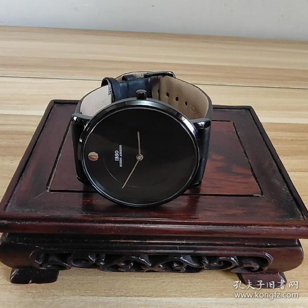 IBSO正品手表 ,学生超薄男士新款。应当是防水手表。休闲简约时尚男表 . 手表、腕表一块