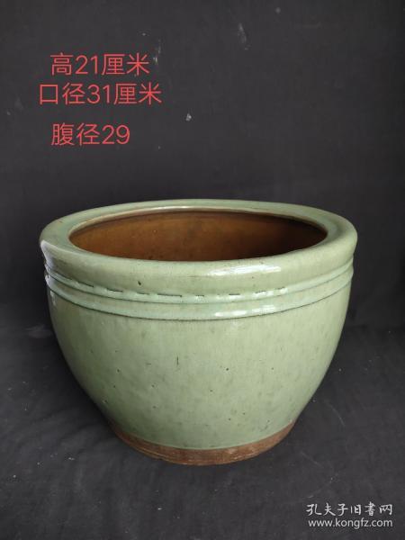 收来豆青釉卷缸,文房用品,包浆浓厚,包老包真,尺寸品相如图。