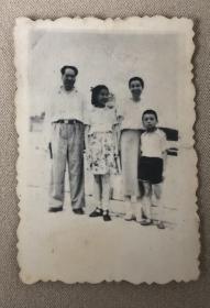 50年代初 毛主席、江青、李讷、王博文合影老照片 非常罕见