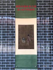 周昉(公元8世纪-9世纪初),唐代著名画家,字仲朗、景玄,京兆(今陕西西安)人,生卒年不详。出身显贵,先后任越州、宣州长史。 能书,擅画人物、佛像,尤其擅长画贵族妇女,容貌端庄,体态丰肥,色彩柔丽,为当时宫廷士大夫所喜爱。 他是中唐时期继吴道子之后而起的重要人物画家。
