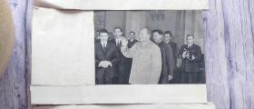 中国,罗马尼亚两国和国家领导人举行会谈 图片1张 有正反面 247mm*138mm 遮住部分有惊喜