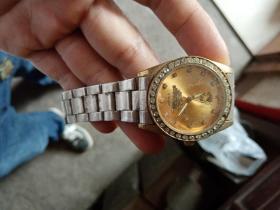 带毛主席像的手表