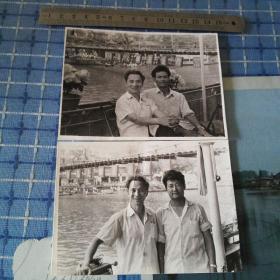 四川省乐山五通桥老照片(左为志愿军47军文化宣传员宋安江)少见