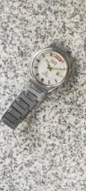 铁锚双日历机械手表
