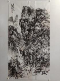 保真书画,杨立军《峰峦溪水图》六尺整纸山水画一幅179×97cm,1990元顺丰包邮。杨立军,北京市人。中国美术家协会会员,国家一级美术师,北京美术家协会会员,中国老挝人民友好使者,艺术在场艺术家联合会主席,玲珑美术博物馆名誉馆长,北京原创书画院执行院长,燕赵画院副院长,北京凤凰岭助教班姜宝林先生助教。