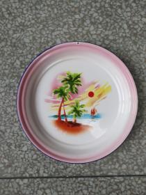 文革时期:《海南风光》搪瓷盘。直径32.2厘米