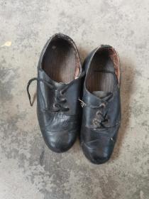 晚清,小脚皮鞋,长19公分